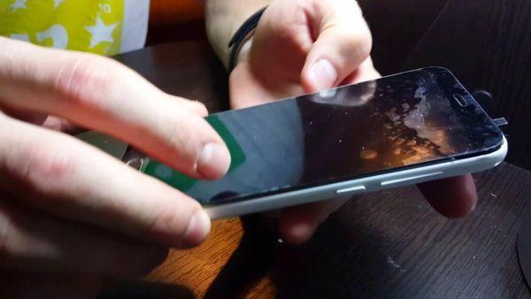 Как включить телефон без кнопки Power