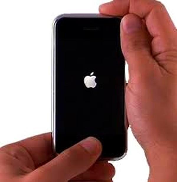 Что делать если iPhone упал и перестал включаться