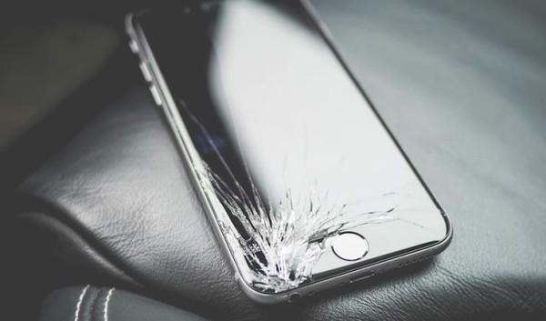 трещины на айфоне