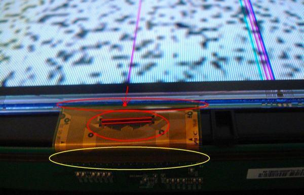 Поврежденный шлейф матрицы на телевизоре LG