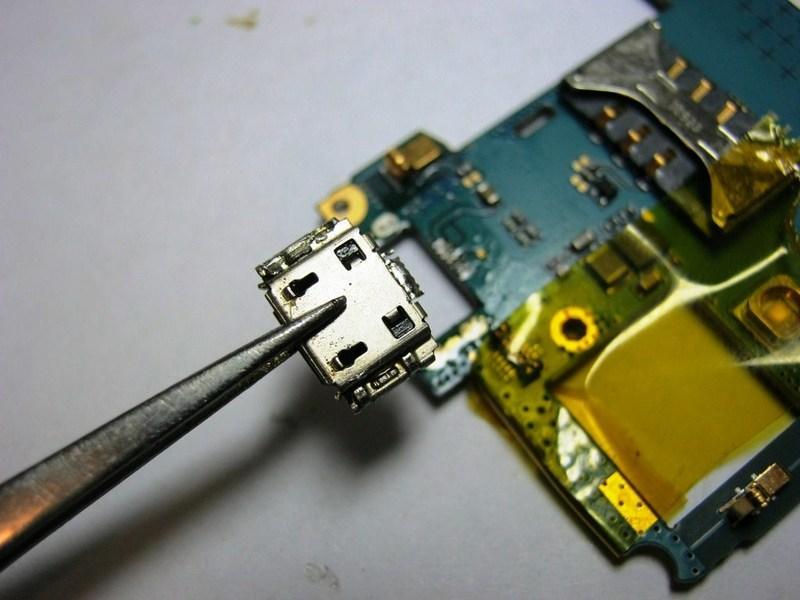 как зарядить планшет если сломано гнездо для зарядки