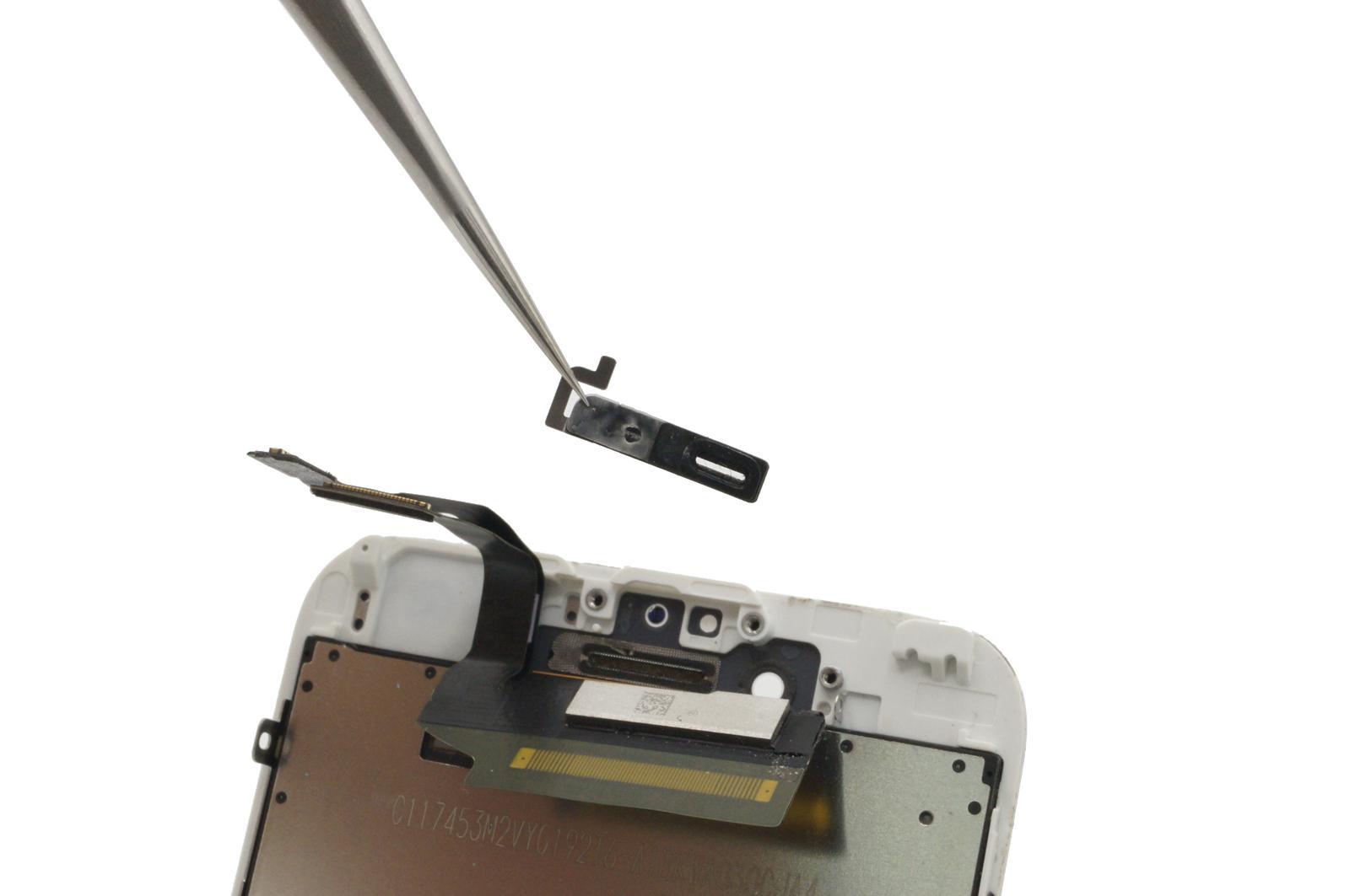 завершающий этап разбора разбитого экрана iPhone 6S