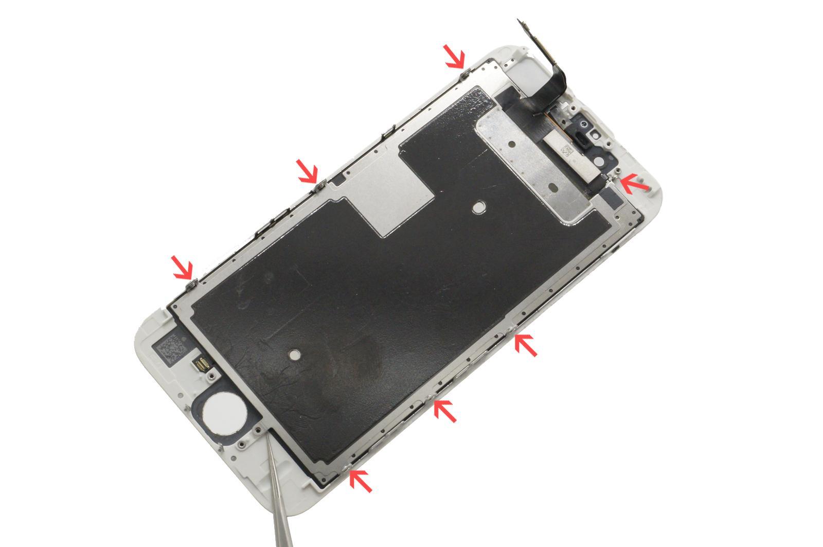 снимаем дисплей iPhone 6S с защитных рамок