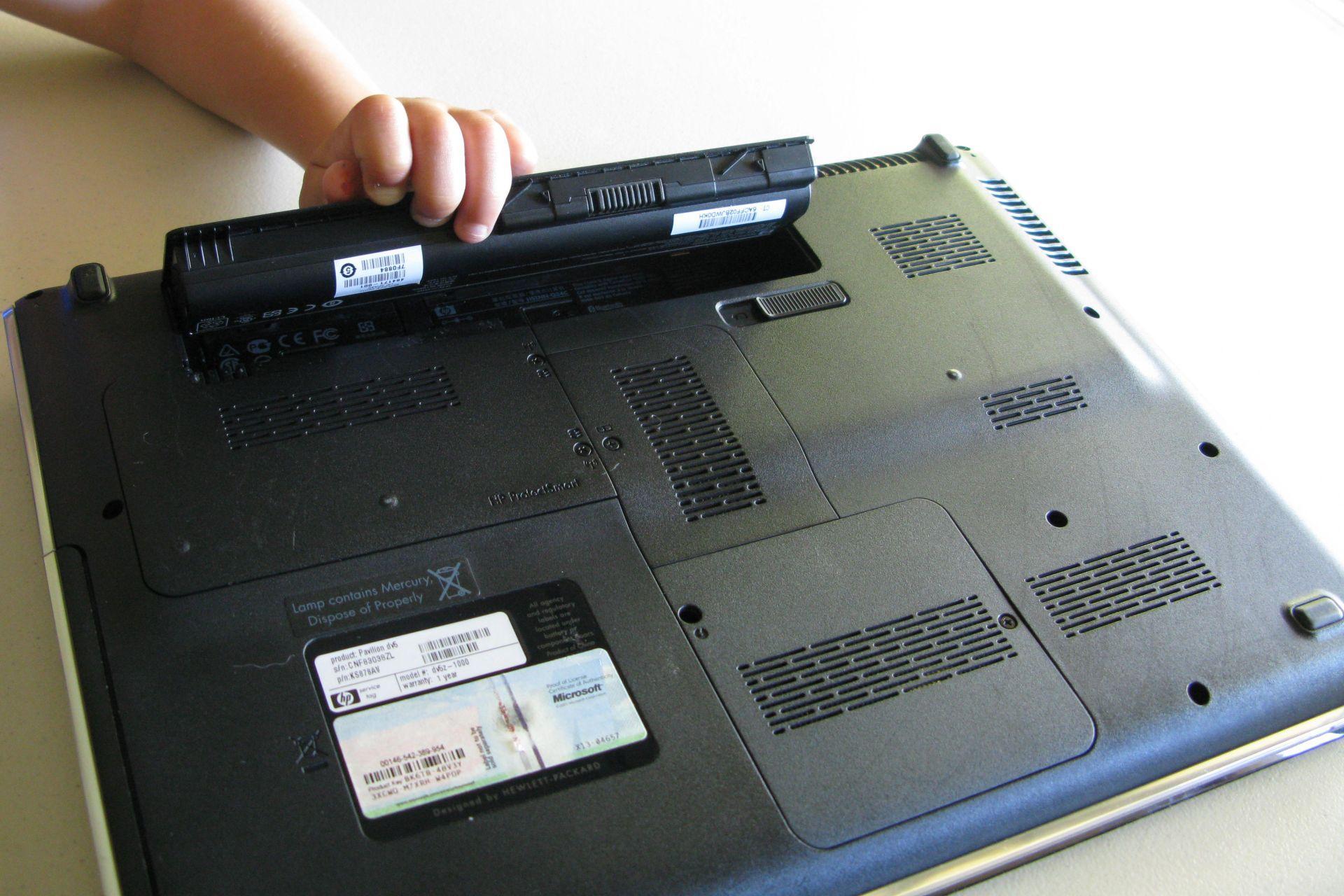 Проверьте эти 4 вещи, если ноутбук отказывается заряжаться