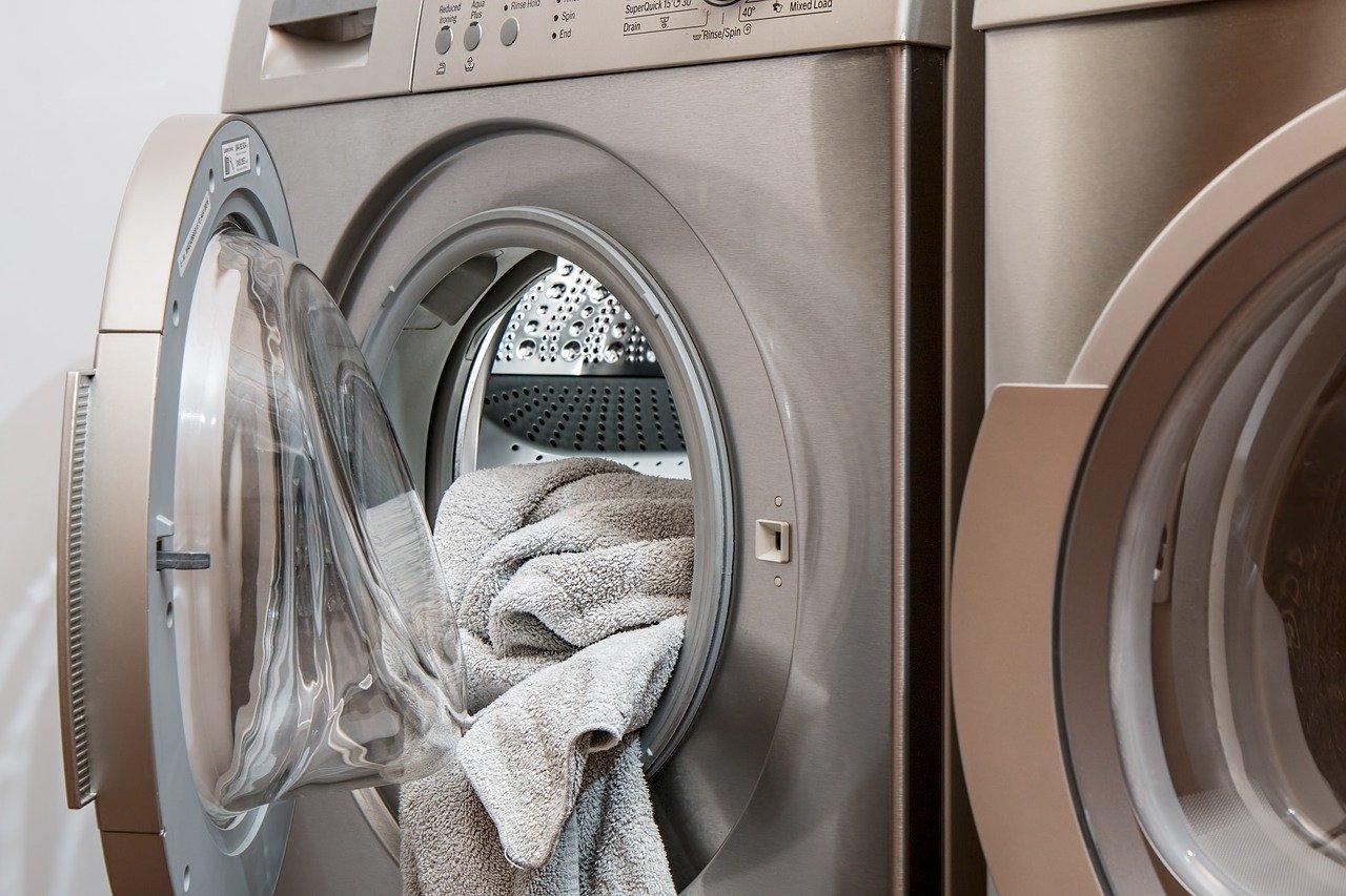 правильная загрузка белья в стиральную машинку