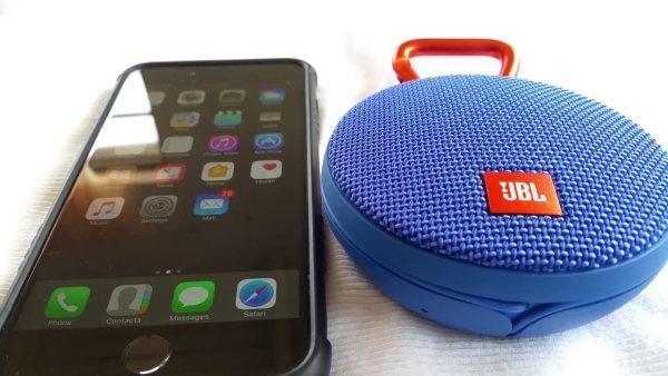 iphone с беспроводной колонкой